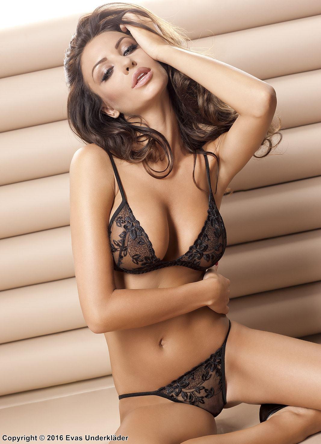 China new hot bikini sexy girls swimwear manufacturers and factory